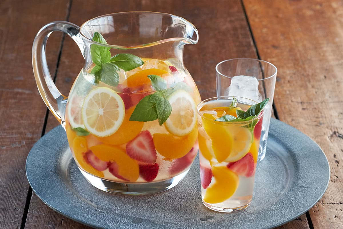 Strawberry Peach Basil Spritzer